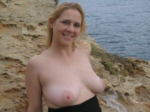 amatuer nude mom