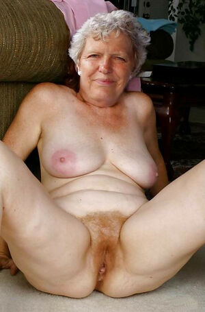 granny shows pussy
