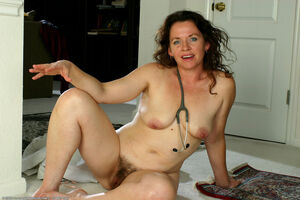 hairy milf pic