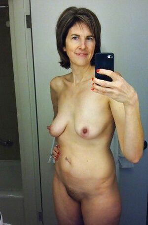 mature wife selfie