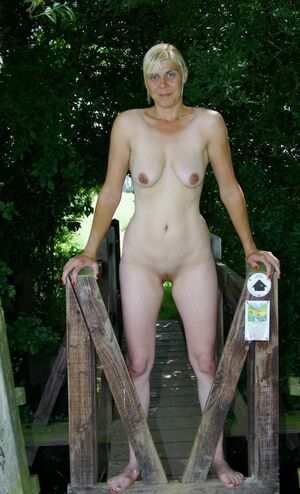 mature nudist girls