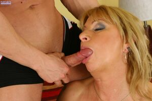 mom blowjob swallow