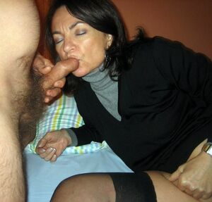 mature wife anal creampie