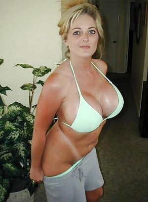 amateur mature women photos