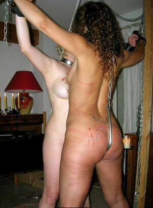 mature moms naked