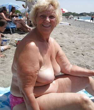 mature exhibitionist