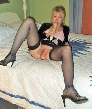 nude blonde mature