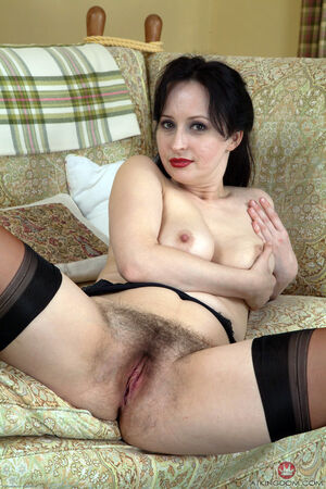 hairy pussy milf fucking