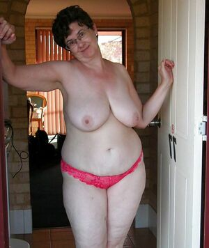 naked chubby mature women