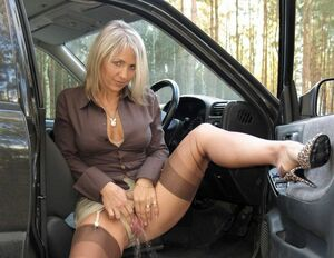 hot moms in nylons